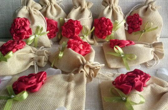 Lina maisiņi ar sarkaniem ziediem.Handmade 9/13 cm