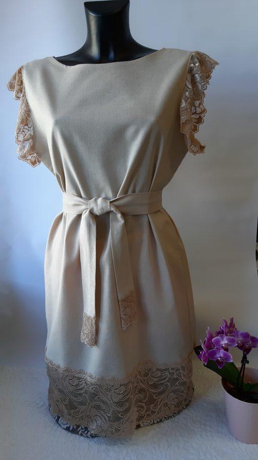 Bēšīga lina kleita ar mežģīni. Paraugs.