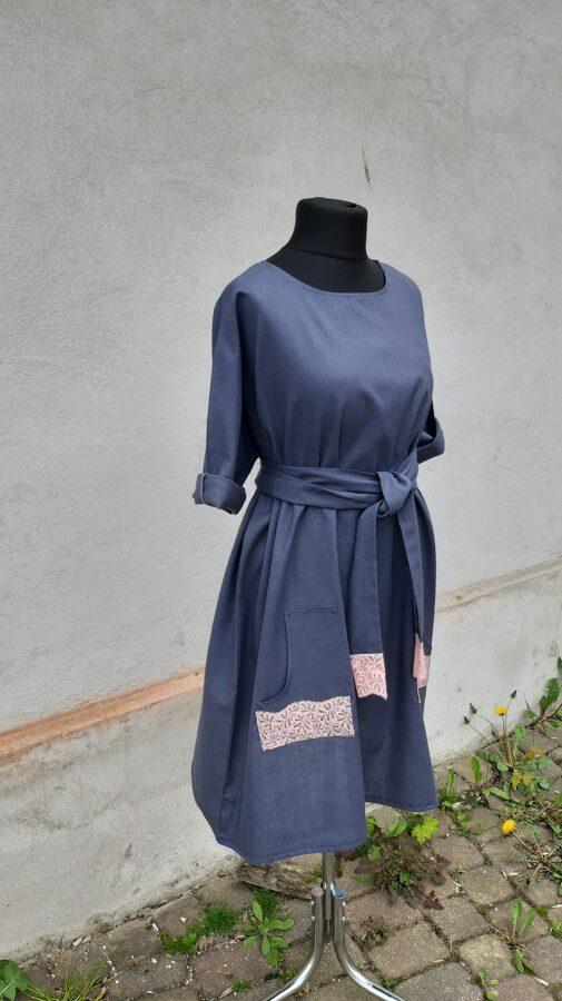 Tumši pelēka lina kleita ar kabatām.