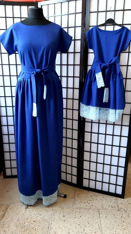 Zila lina kleitas ar mežģīni mammai un meitai.Pasūtījums.