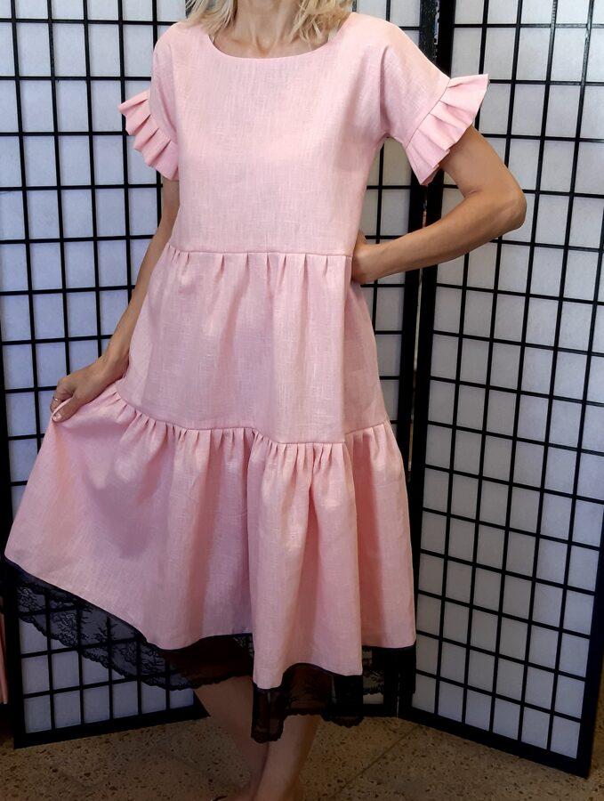 PĀRDOTA.Rozā lina kleita ar volāniem un melnu mežģīni.36/38 izm.