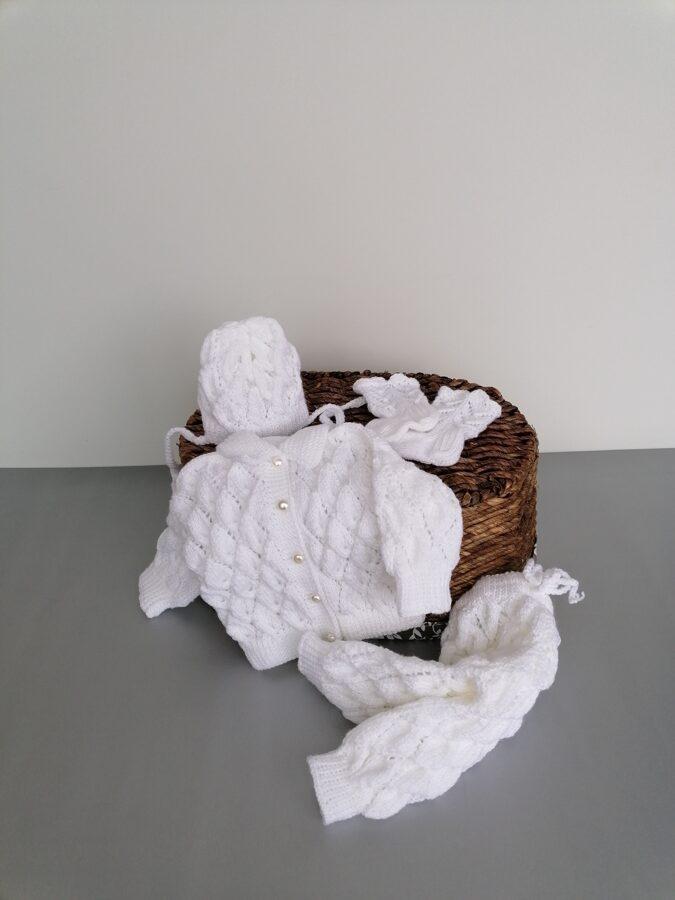 Adīts balts komplekts mazulim. Handmade.
