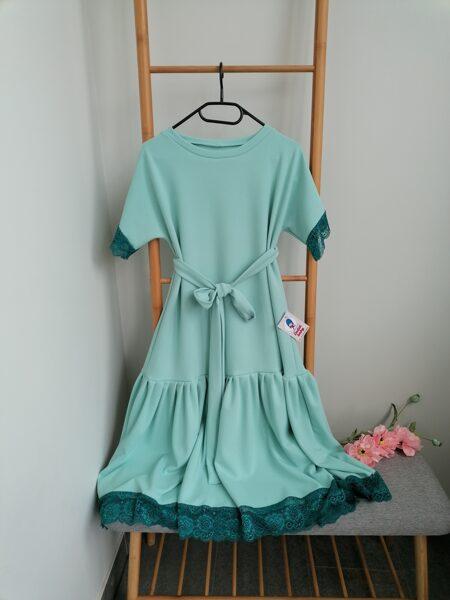 Piparmētru tonī kleita ar mežģīni.38/40.izm.