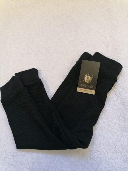 Termoregulējošas bikses melnā krāsā. 74-134 izm.